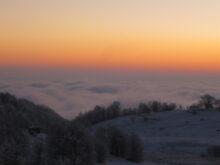 Zalazak iznad oblaka