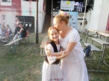 Mamina mezimica i folkloru spremna za nastup